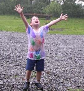 ילד רוקד לגשם, זה דבר נפלא